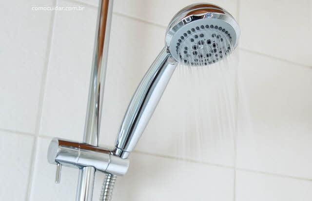 Como cuidar de duchas e chuveiros